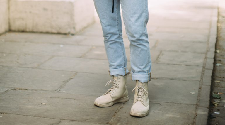 Top 6 Men's Shoes to Wear With Jeans