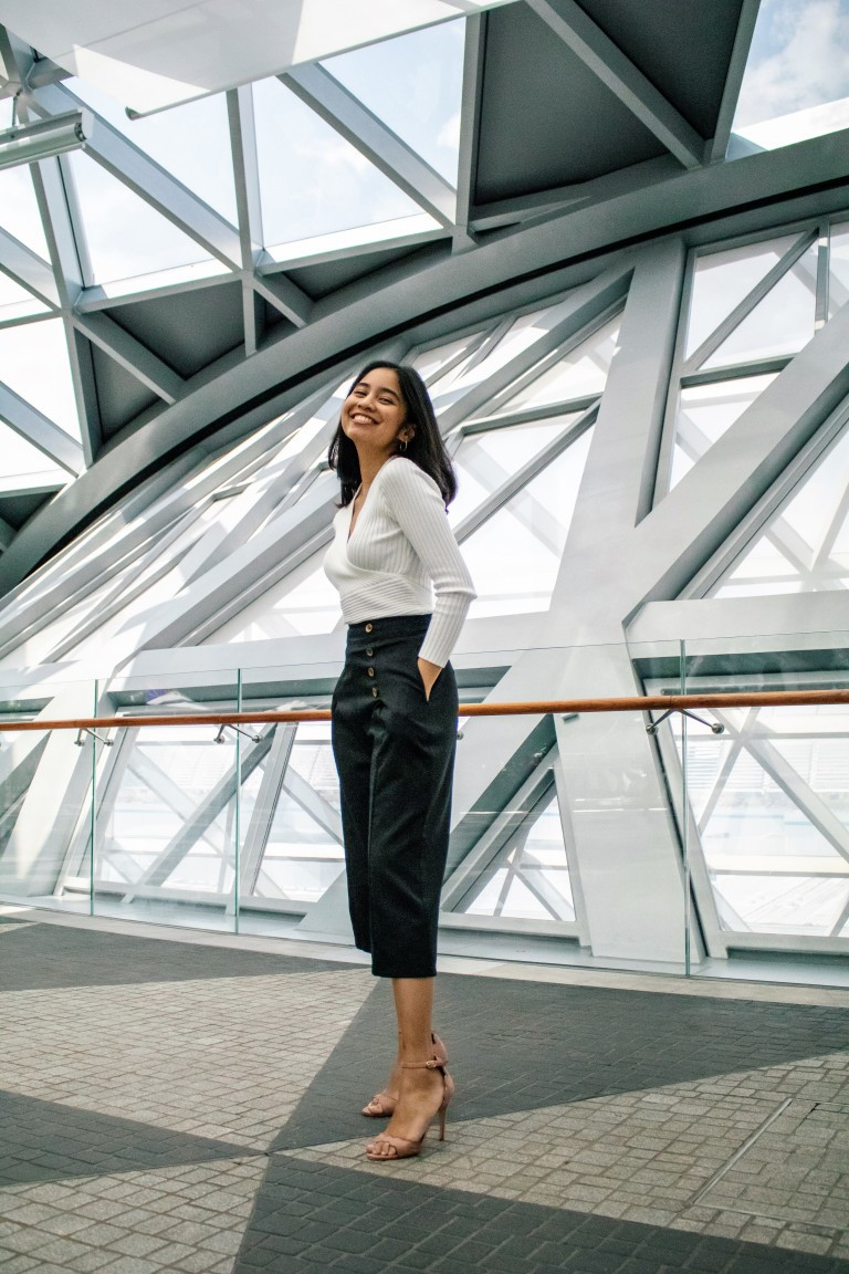 Hot TIP | How to style black formal trousers outside of the office