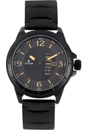Titan Men Dial Watch 1701NM01