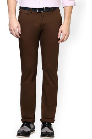 Peter England Men Brown Skinny Fit Solid Chinos