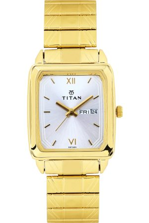 Titan Men Silver-Toned Dial Watch NF1580YM04