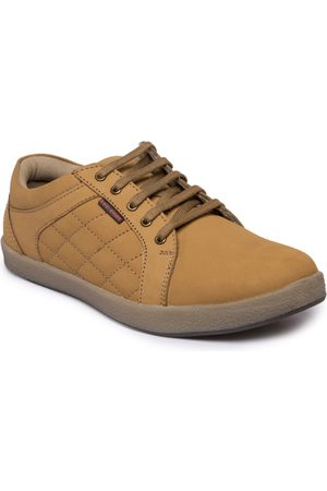 Red Chief Men Tan Brown Quilted Leather Sneakers