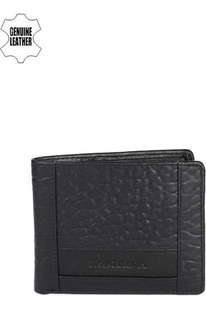 Fastrack Men Black Textured Genuine Leather Wallet