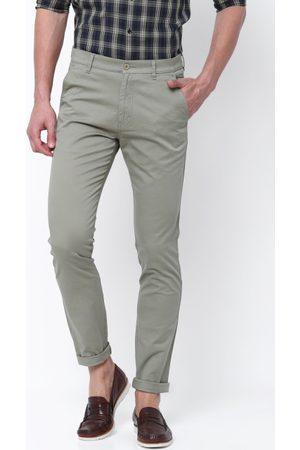 HIGHLANDER Men Grey Slim Fit Solid Chinos