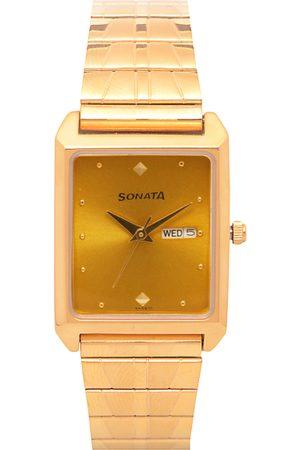 Sonata Men Gold-Toned Analogue Watch NK7007YM05