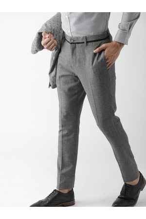 Invictus Men Formal Trousers - Men Charcoal Grey Slim Fit Solid Formal Trousers
