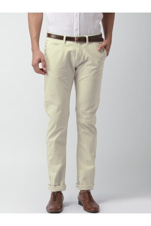 Celio Men Beige Solid Straight Fit Chino Trousers