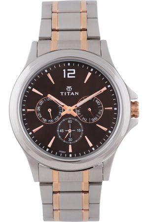 Titan Men Black Analogue Watch 1698KM01