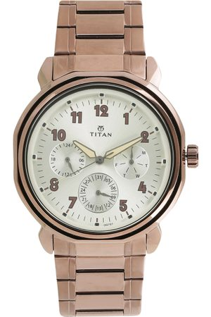 Titan Men Analogue Watch 1753QM02