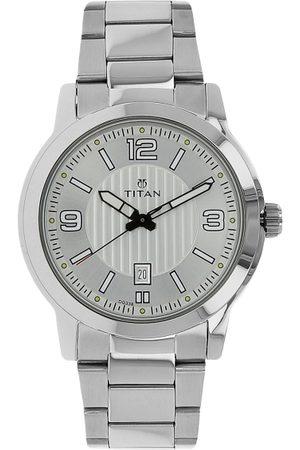 Titan Men Silver-Toned Analogue Watch NK1730SM01