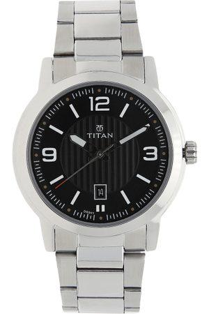 Titan Men Black & Silver-Toned Analogue Watch NK1730SM02