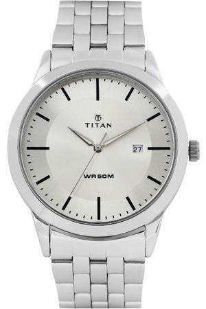 Titan Men Silver-Toned Dial Watch 1584SM03