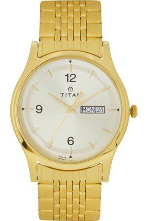 Titan Men Silver-Toned Dial Watch 1638YM01