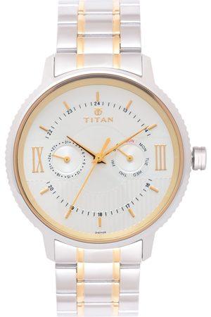 Titan Men Silver-Toned Analogue Watch 1743BM01