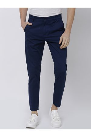 Highlander Men Blue Tapered Fit Solid Chinos