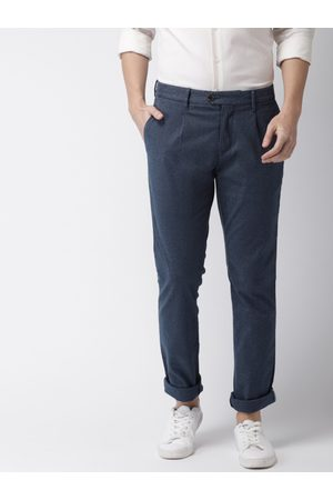 Tommy Hilfiger Men Straight Fit Self Design Chinos