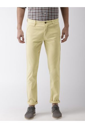 Arrow Men -Coloured Chrysler Slim Fit Solid Chinos