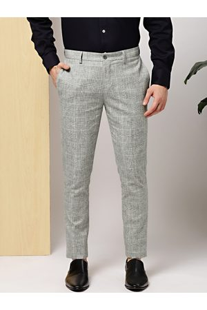 Invictus Men Grey Slim Fit Checked Formal Trousers