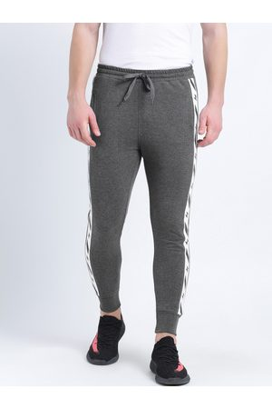 Tinted Men Solid Slim Fit Joggers