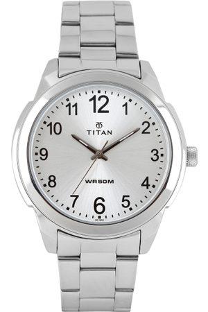Titan Men Silver-Toned Dial Watch 1585SM04