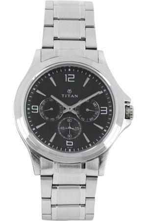 Titan Men Black Dial Watch 1698SM01