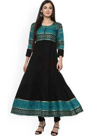 Ives Women & Green Printed Anarkali Kurta