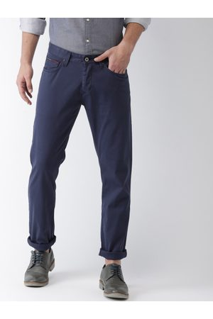 A1A Men Sancton Slim Fit Solid Chinos