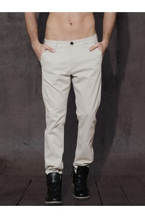 Roadster Men Off-White Regular Fit Solid Chinos
