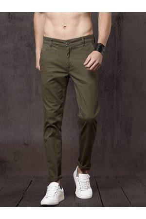 Roadster Men Green Slim Fit Solid Regular Trousers