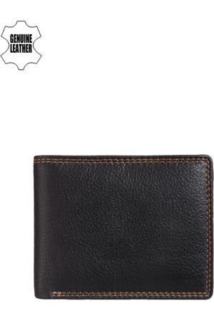 Teakwood Leathers Men Black Genuine Leather Wallet