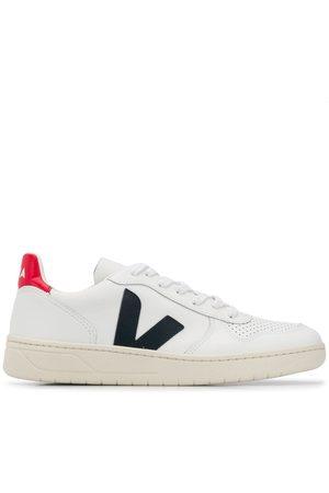 Veja Sneakers - Black V sneakers