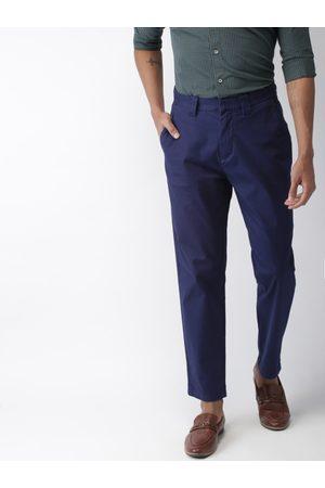 Celio Men Navy Blue Regular Fit Solid Chinos