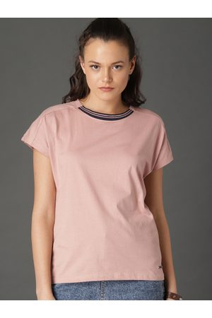 Roadster Women Solid Round Neck T-shirt