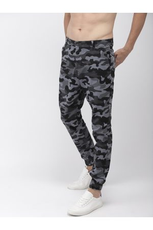 Highlander Men & Blue Slim Fit Printed Joggers