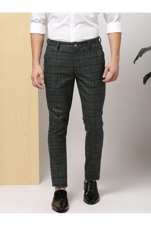 Invictus Men Charcoal Grey Slim Fit Checked Formal Trousers