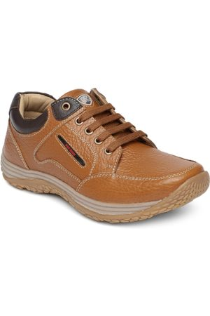 Red Chief Men Tan Leather Sneakers