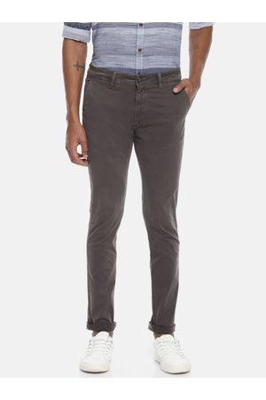 Pepe Jeans Men Grey HANS Slim Fit Solid Chinos
