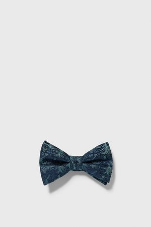 Zara Textured leaf bow tie