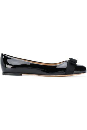 Salvatore Ferragamo Varina bow ballerina shoes