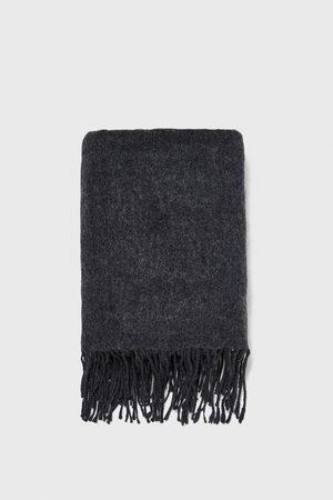 Zara Scarf with fringes