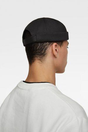 Zara Short turn-up hat