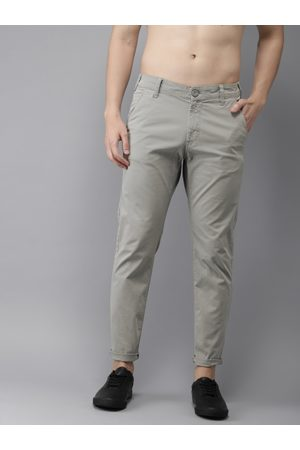 HERE&NOW Men Grey Slim Fit Solid Chinos
