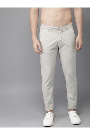 HERE&NOW Men Off White Slim Fit Solid Chinos
