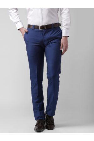 Invictus Men Solid Slim Fit Flat-Front Trousers