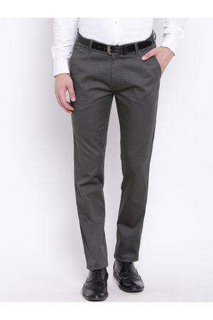 HANCOCK Men Grey Slim Fit Checked Formal Trousers