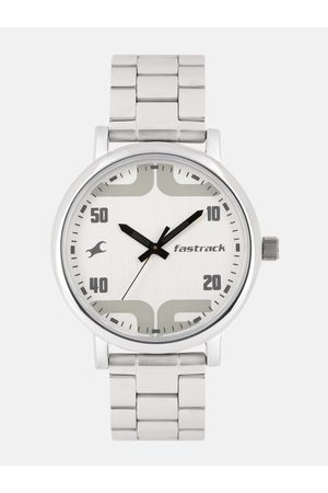 Fastrack Men Silver-Toned Analogue Watch 38052SM04