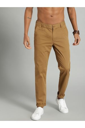 Men Slim Fit Solid Chinos