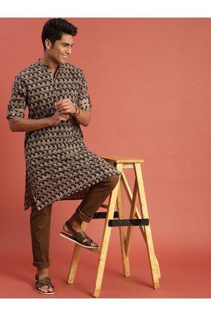 Taavi Men Black Kalamkari Block Printed Straight Kurta with Roll-Up Sleeves