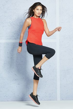 Amante Smooth and Seamless Easy Movement Relaxed Fit Tank Top