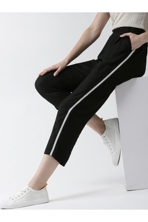 Mast & Harbour Women Black Regular Fit Solid Cropped Trousers